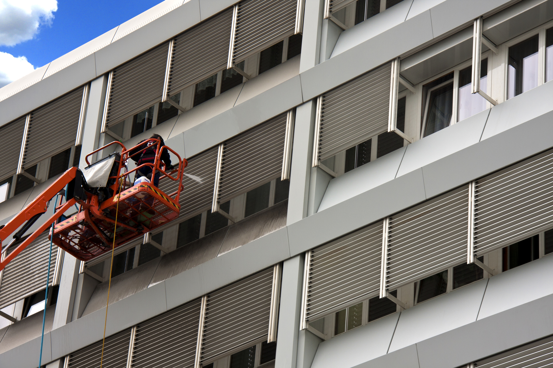 professional pressure washing commercial building